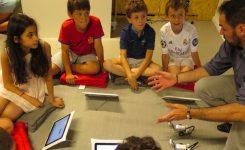 Le Parisien – Neuilly : dans la nouvelle classe, les tablettes remplacent les cahiers