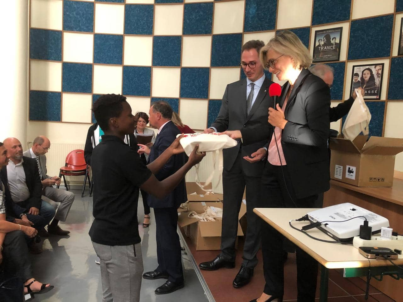 Yvelines. Maurepas : Des tablettes numériques pour les lycéens de Dumont-d'Urville